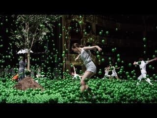 Play [Choreography: Alexander Ekman] - [Stéphane Bullion, Muriel Zusperreguy, Vincent Chaillet] Ballet de l'Opéra de Paris