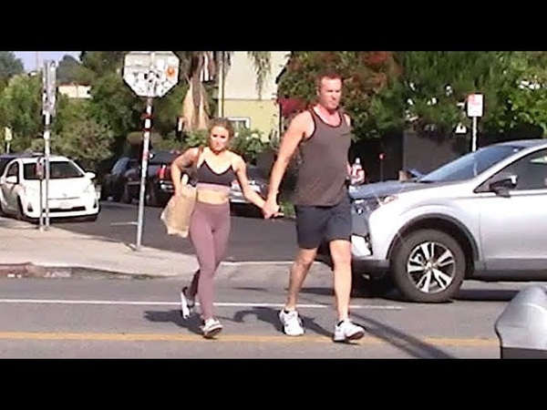 Kristen Bell Holds Hands With A Beefy Male Companion ... But Where's Hubby Dax Shepard?!?
