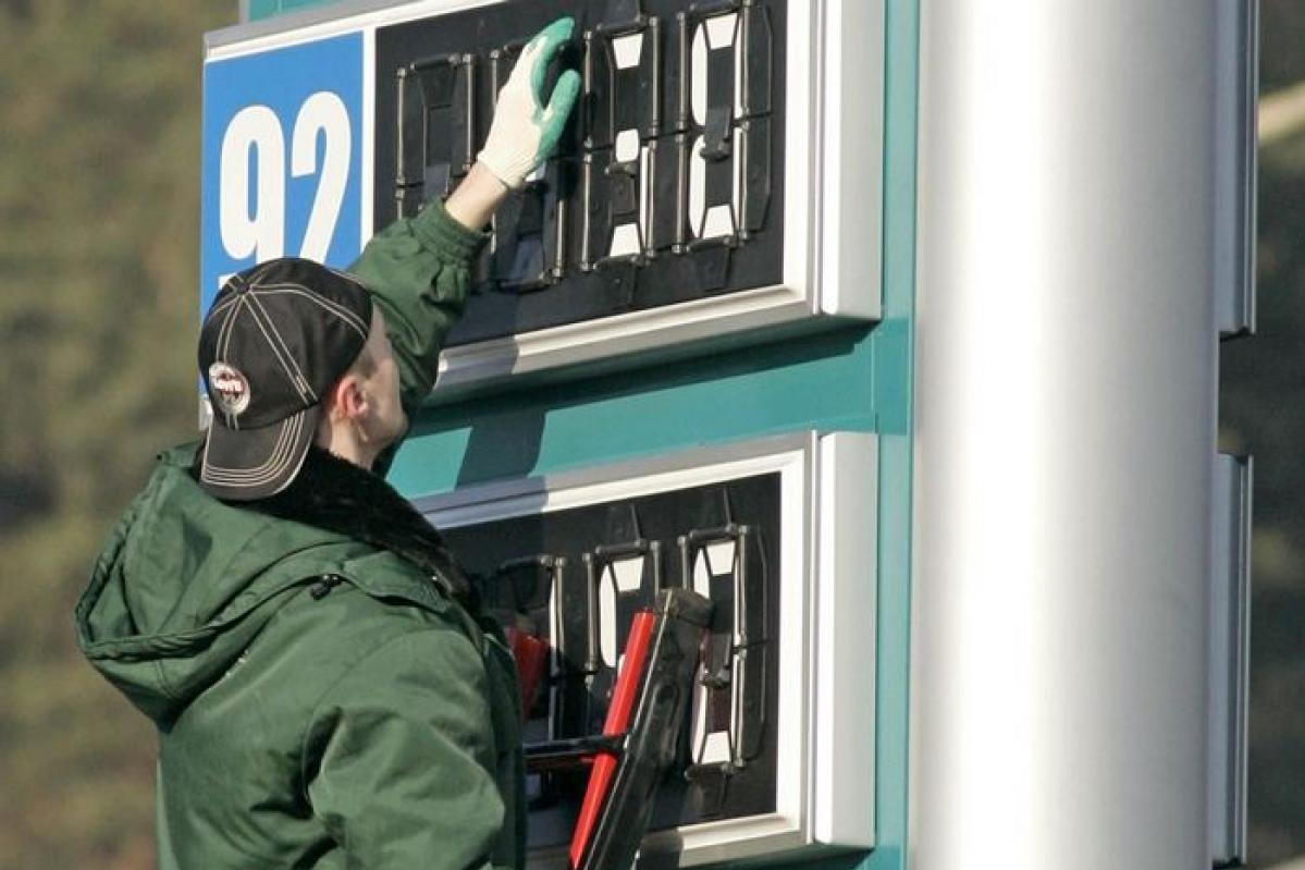 В КЧР оказался самый дорогой бензин среди всех республик СКФО