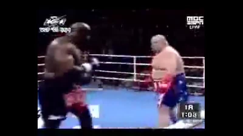 2005 07 29 Eric Esch vs Marcus Royster K 1 World Grand Prix 2005 in Hawaii