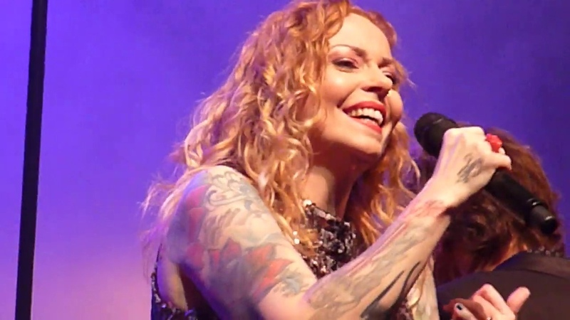 Kamerata Zuid Anneke van Giersbergen Let The Light In live @ Markant Uden 01 12 2019 4 6