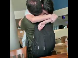 13-летний парнишка и его отец после выигрыша 900 тысяч долларов на чм по fortnite