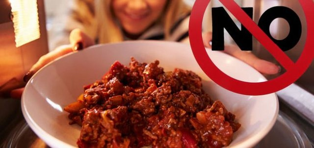 Какие продукты нельзя разогревать повторно: перестаньте медленно травить свой организм
