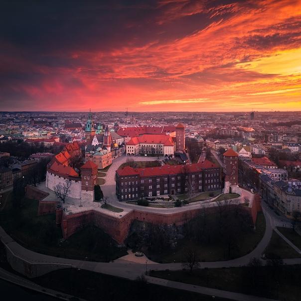 Вавельский Замок ранним утром (Краков, Польша)