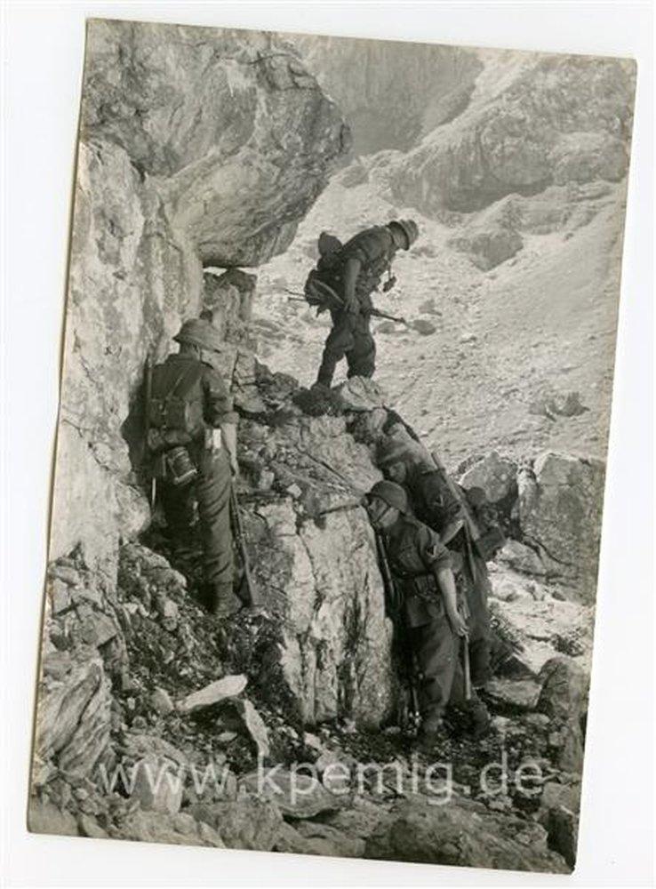 Рядовой вермахта Тассо, изображение №20