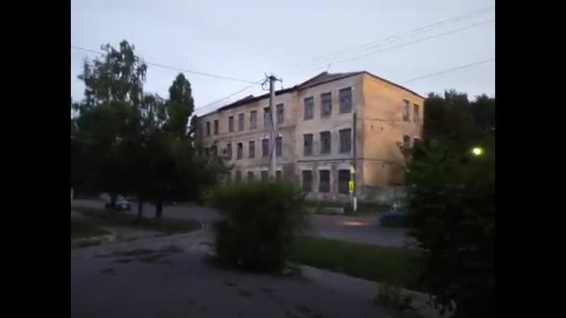 Казарма второго батальона воинской части 20, 115 (Острогожск ул. Комсомольская) лето Вечер