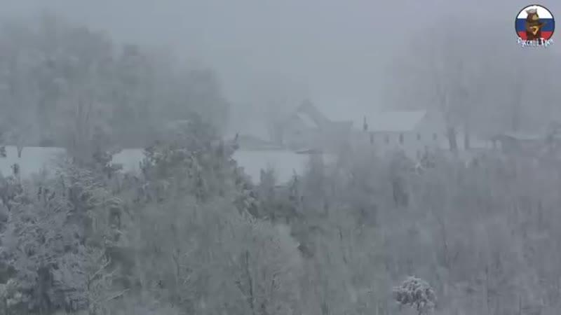 а снег кружился