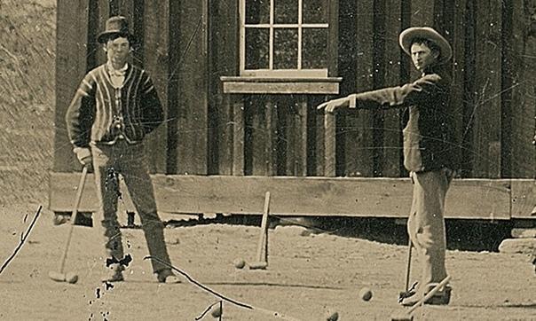 Ещё в 2010 году мужчина по имени Рэнди Гихарро из Фресно, Калифорния, нашёл в лавке старьёвщика старую ферротипную фотографию, которую приобрёл за два доллара Позже выяснилось, что фото стоит
