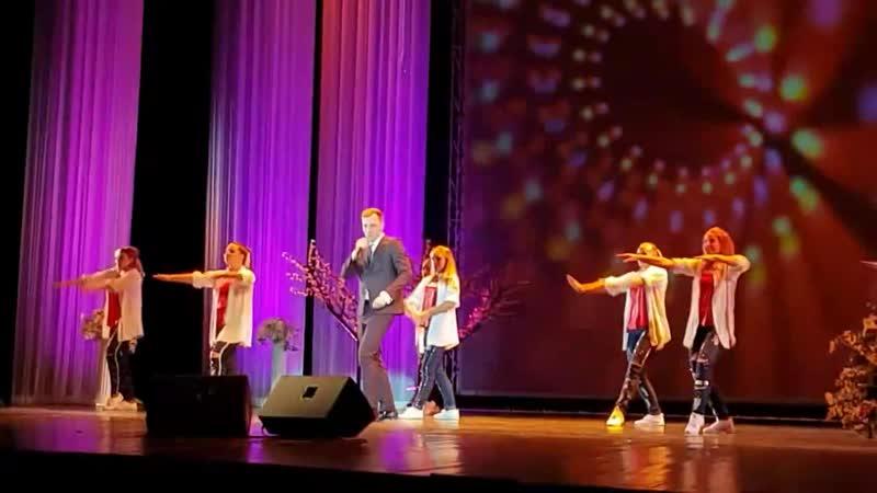 Выступление Алексея Гомана на концерте Учителями славится Россия