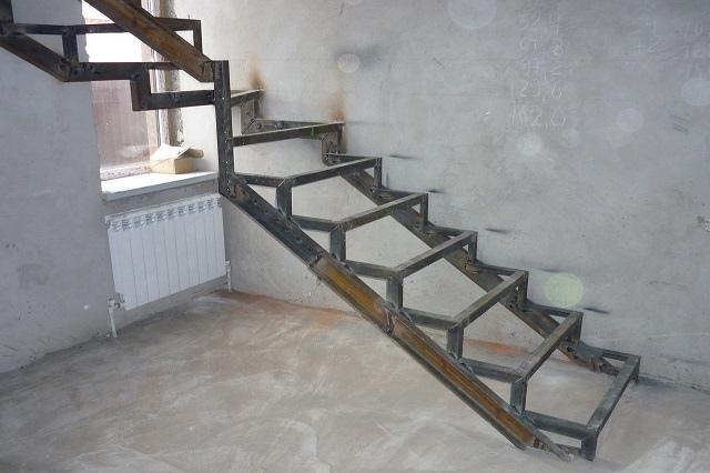 Лестница из профильной трубы своими руками: чертежи и пошаговый монтаж, изображение №15