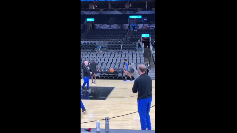 A few free throw line jumpers from Fultz in his warm up. httpst.co_pROoRUQvKP ( 1280 X 720 ).mp4