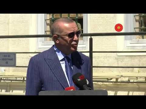 Cumhurbaşkanı Erdoğan cuma namazı sonrası gazetecilere açıklama yapıyor