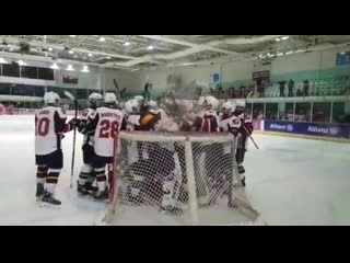 Дебют чеха в хоккее / a dream ice hockey debut for petr cech  he produced the crucial save in a nail-biting p