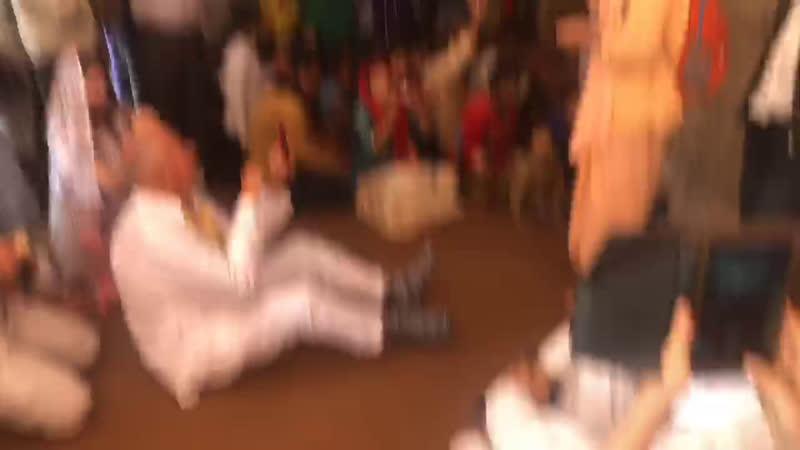 Киртан в Нанда Бхаване