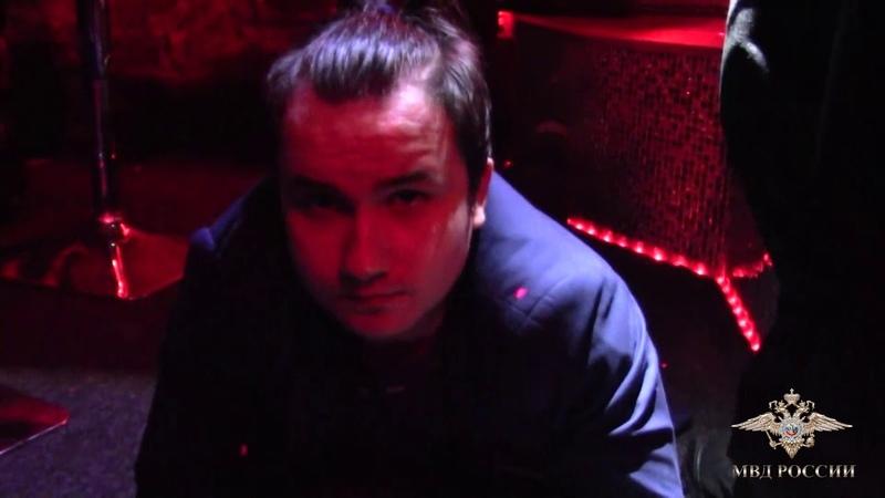 В Твери официанток и танцовщиц стриптиз клубов привлекали к занятию проституцией