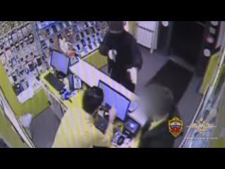 Сотрудники Московского уголовного розыска задержали подозреваемого в разбойных нападениях