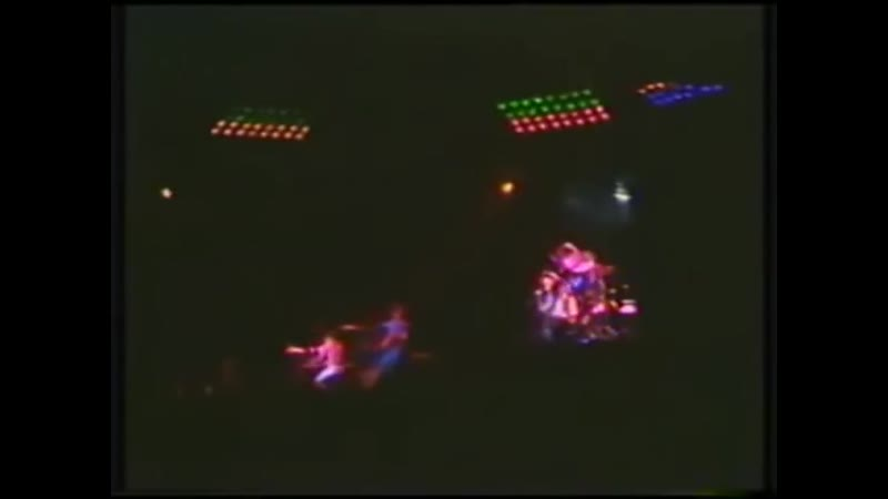 Queen – Live in Monterrey, Mexico, 9/10/1981 [snippets]