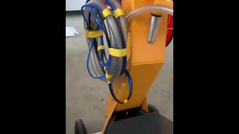 машина, которая близко к блоку подачи коробки gema optiflex2.