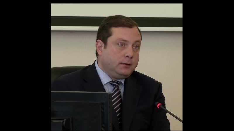 Губернатор Алексей Островский выставит на продажу служебный Lexus и резиденцию в Гнездово