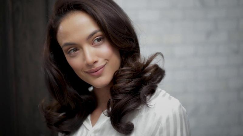 Get The Look The Voluminous Blowout Oribe Hair Care