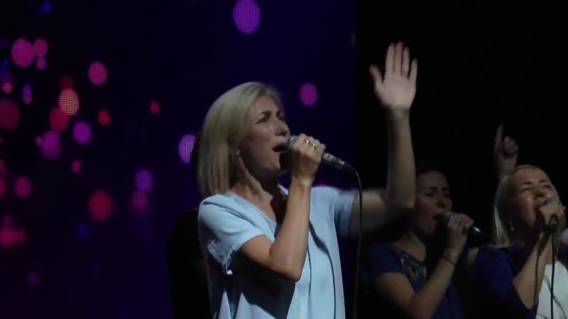 Сильнейшая песня прославления Бог ведет сражение Дарлин Чек ХСЦ Христианские песни