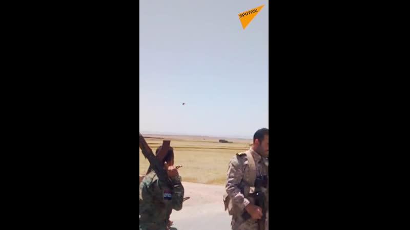 Сирийские дети закидали американский патруль камнями