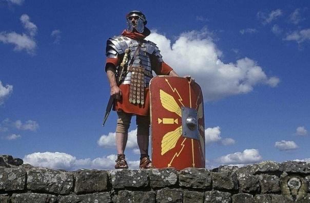 ИМПЕРИИ МОГЛО БЫ И НЕ БЫТЬ. КАК ГУСИ СПАСЛИ РИМ 2400 лет назад галлы едва не завоевали Рим. Город спас случай! Галлы - это кельтские племена, жившие на территориях современной Франции, Бельгии,