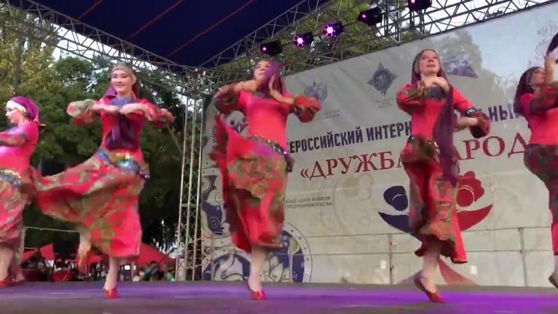 Поем вместе на фестивале Дружба народов