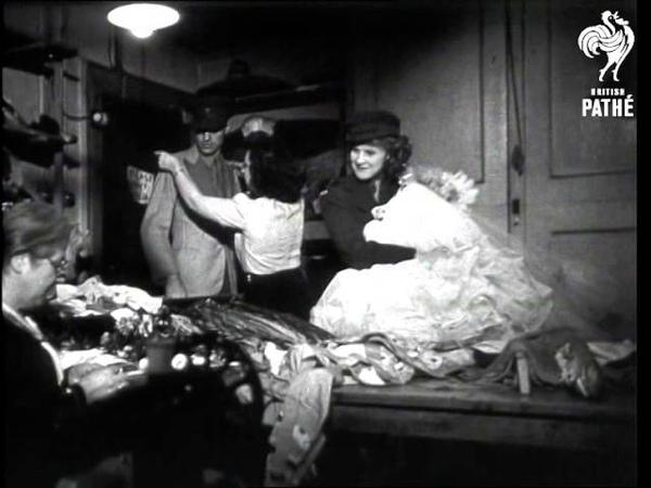 Ensa Wardrobe Aka Right Dress! (1945)