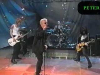 Billy Idol Steve Stevens  Matt Sorum & Duff McKagan performing circa xmas 1995