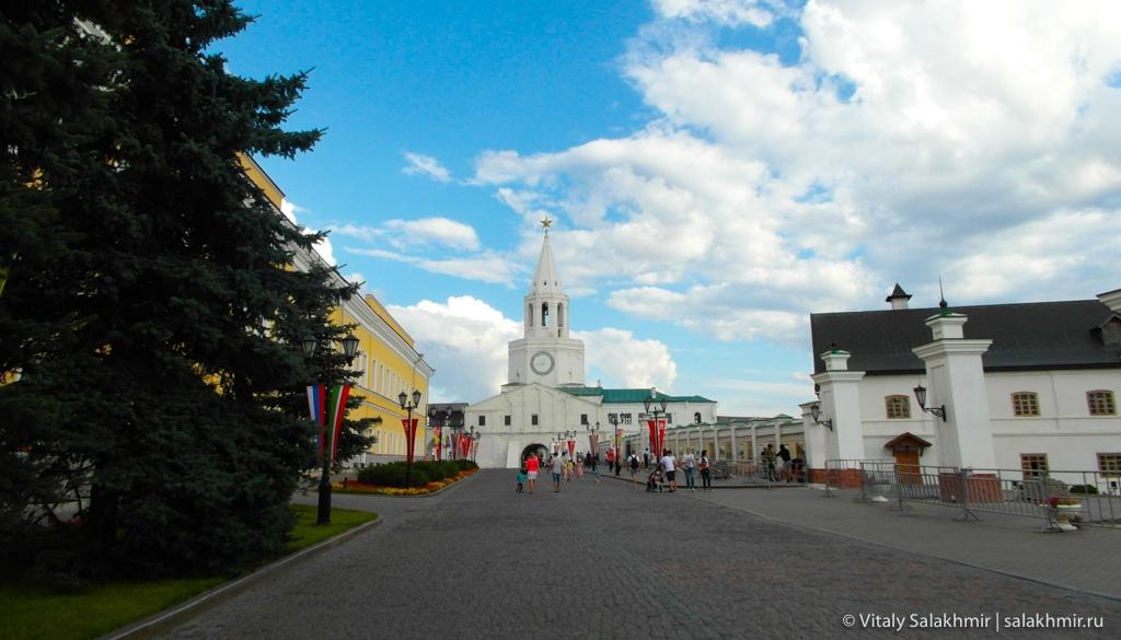 Главная аллея кремля, Казань 2020