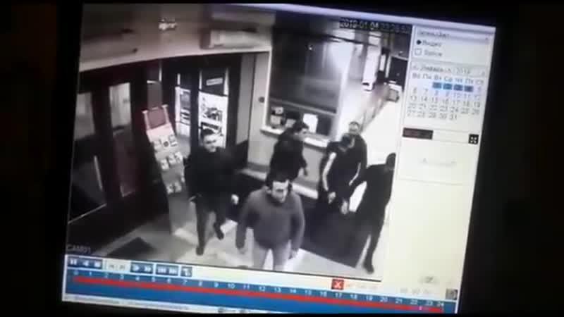Хачи напали на охранника в ДК
