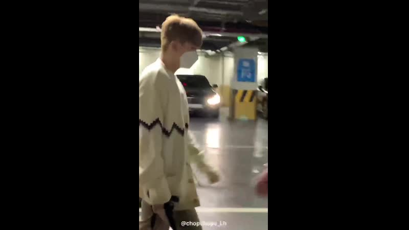 [VK][200922] MONSTA X fancam (Kihyun focus) @ Arriving at Twitter Blue Room