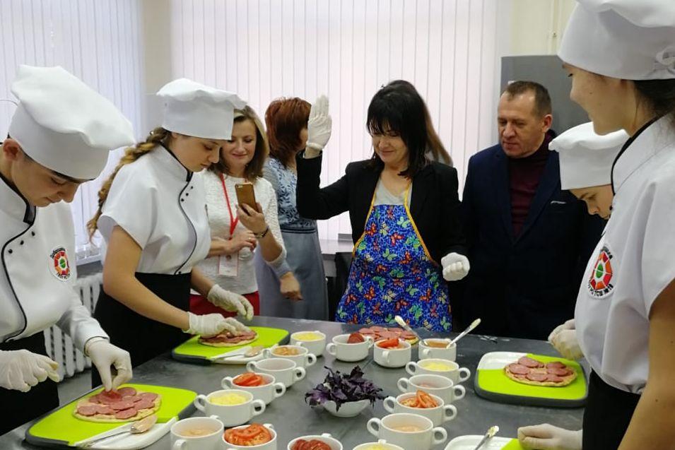 «Чеховские рецепты» изучили в таганрогской специальной школе