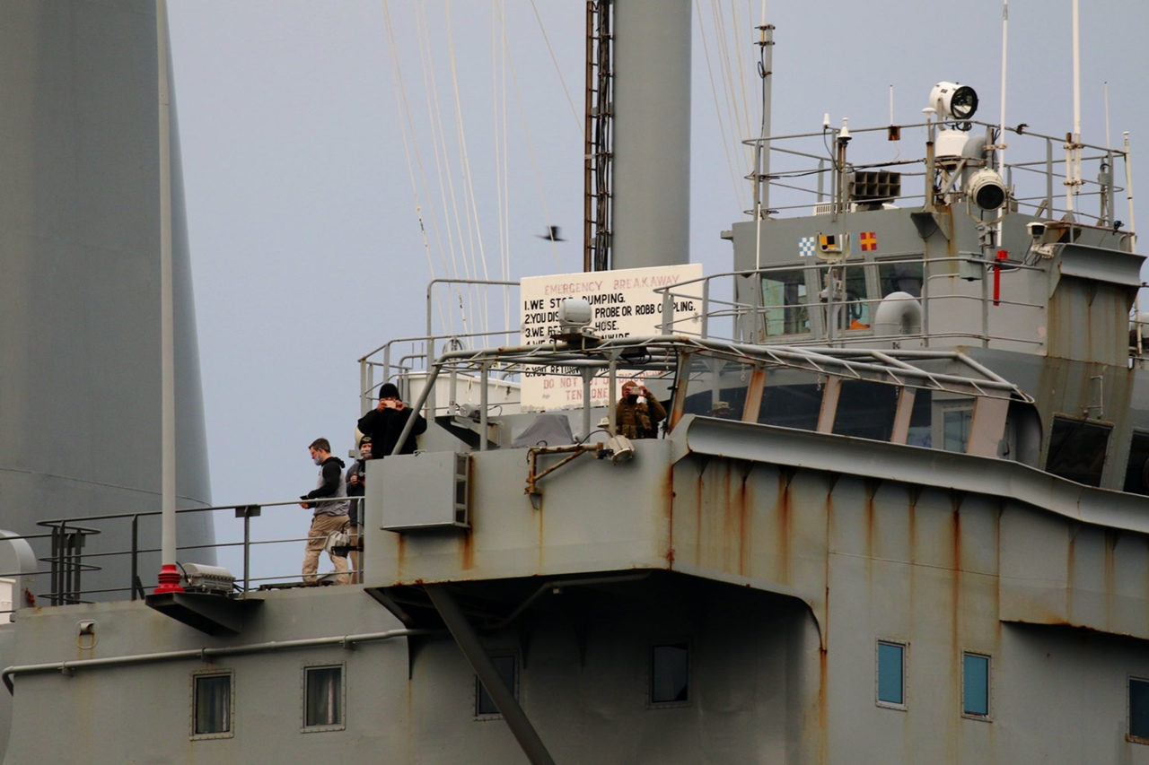 Американское ржавое корыто покинуло Чёрное море