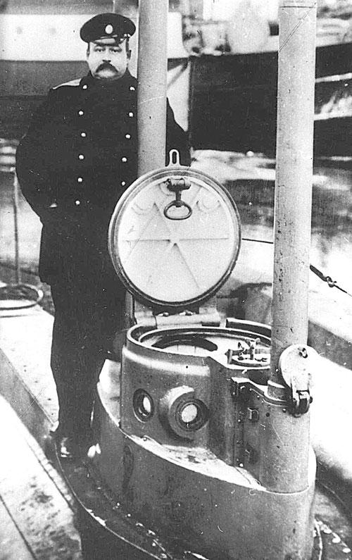 Капитан 2-го ранга Иван Иванович Ризнич – прославленный российский моряк-подводник, выпускник Учебного отряда подводного плавания