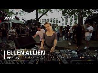 Ellen Allien - Live @ under a Berlin bridge (On the longest day of the year)