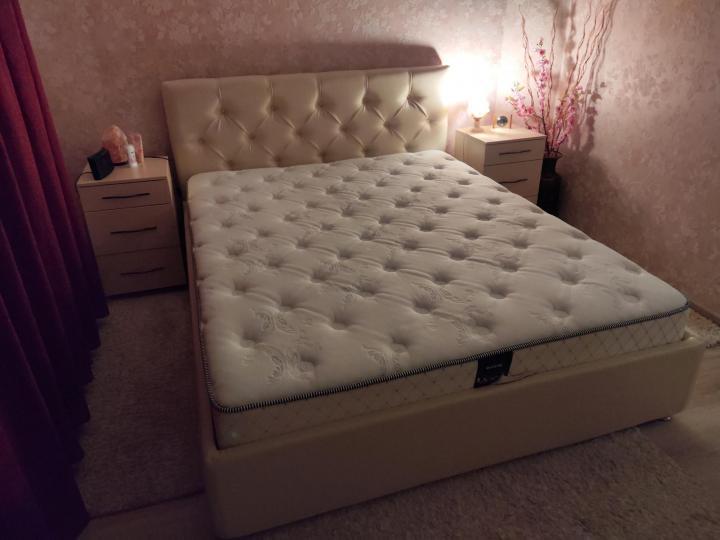 Продаю практически новую кровать с   Объявления Орска и Новотроицка №17061