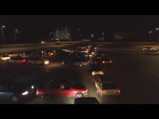 Калининградские автомобилисты выстроили из машин новогоднюю ёлку