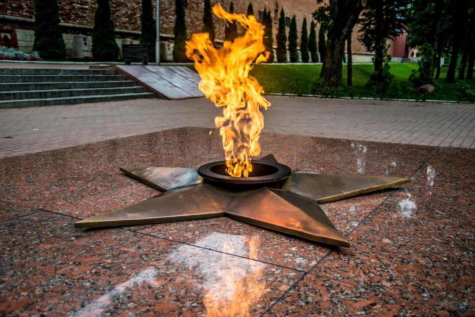 В Вольске началась проверка по факту осквернения Вечного огня