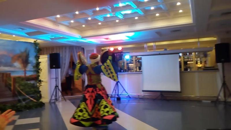 Великолепный Майо и его  египетский танец Танура