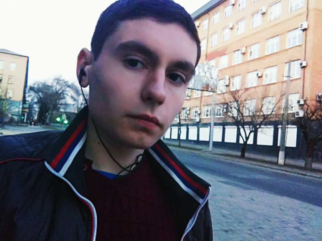 Сергей, 21, Donetsk