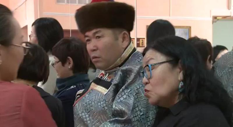 В Улан-Удэ обучают древнему ремеслу по производству валяных изделий