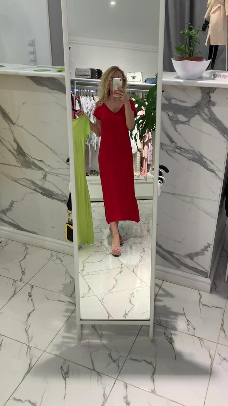 Красное платье футболка