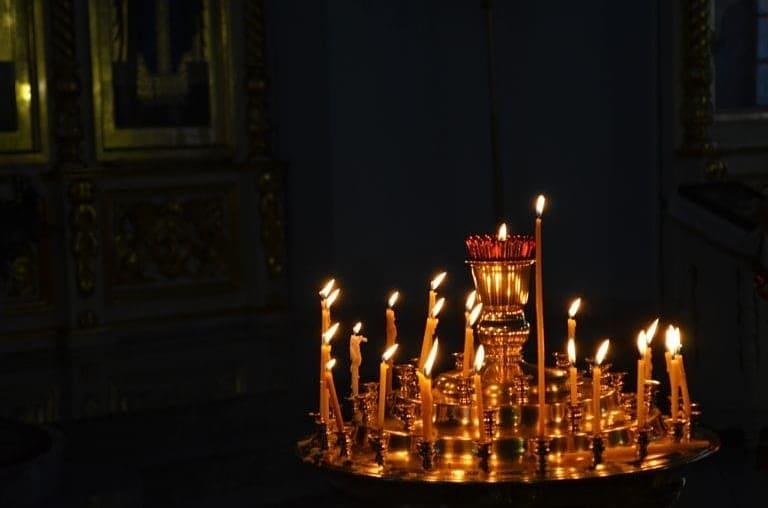 Сегодня православные верующие отмечают один из главных христианских праздников — Сретение Господне