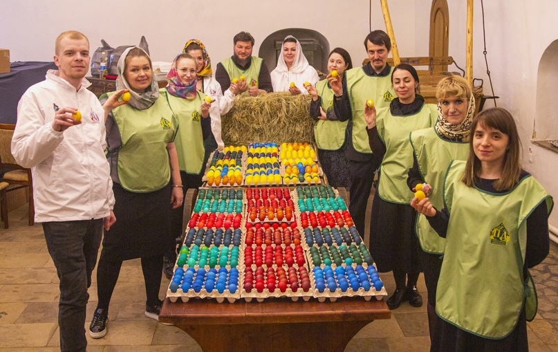 Волонтеры кинокомпании «Союз Маринс Групп» вместе с православными добровольцами подготовились к светлому празднику Пасхи