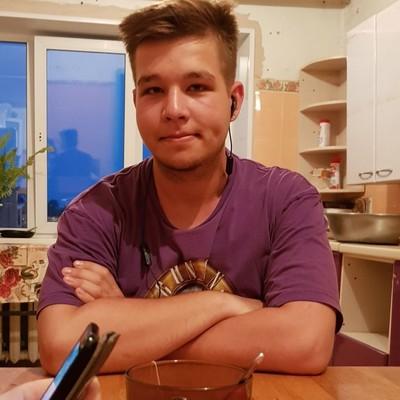 Александр Охотников