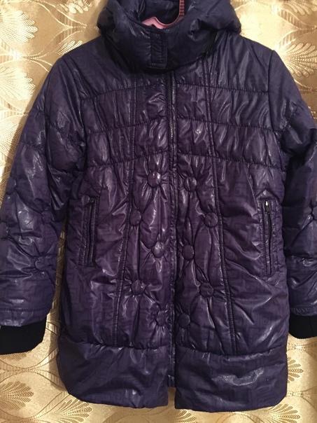 Демисезонная куртка фиолетового цвета на девочку 5...