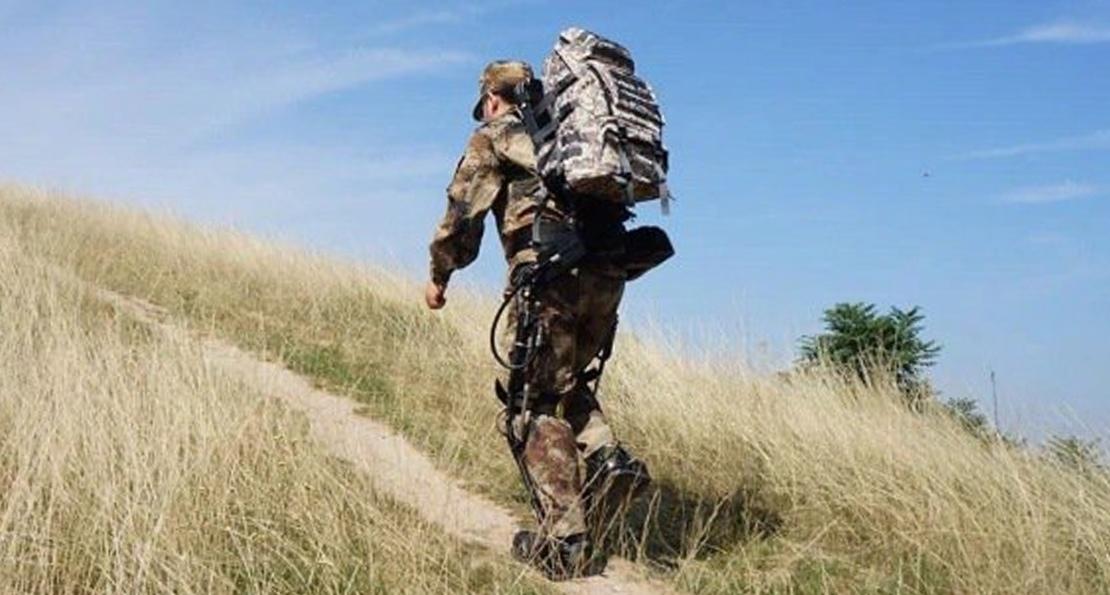Китайский солдат в горах
