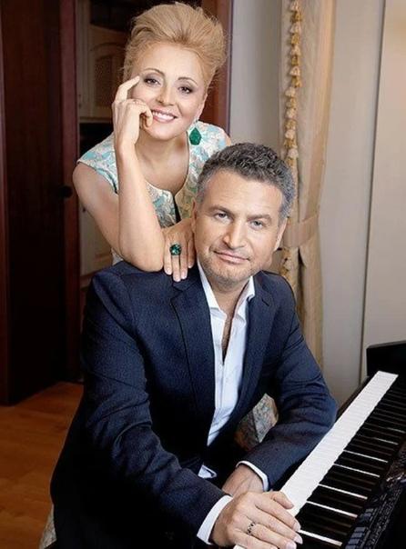 Леонид Агутин выразил мнение насчет своей жены: «Жена давно должна была бросить меня из-за измены» Кстати, да, на самом деле, видимо, любит его очень